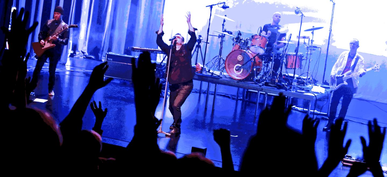 Acrobat live door U2be